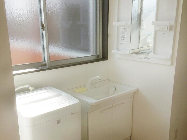 洗濯洗面室2F